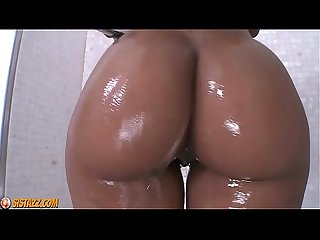 Hot Black Beauty Shower Solo