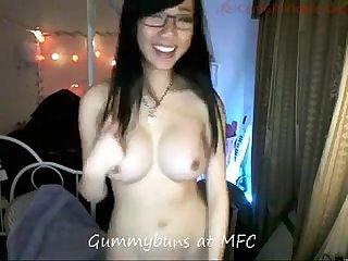 Gummybuns dildo blow job show