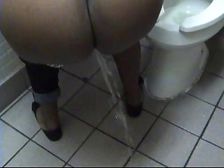 Ebony Candi Girl's Pee Piss Crush Promo