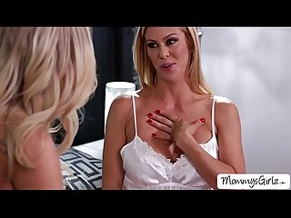 Beautiful blonde women Alexis and Scarlet loves pussy fingering