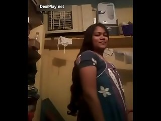 Desi cute village married bhabhi full naked selfie show