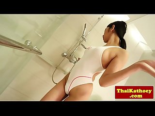 Japanese ladyboy wanking in shower