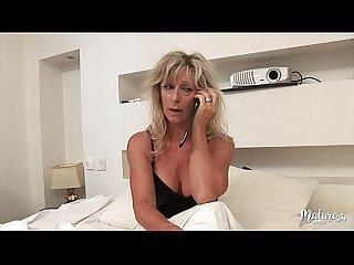 Marina mature sexy se tape son jeune voisin