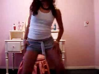 Sexy latina chick dancing and shaking her ass spankbang org