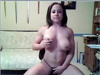 Busty Body Builder Rubs Her Pussy on Webcam - combocams.com