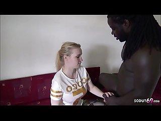 German Teen - H�ngetitten Teen Anna nach Party von Schwarzen gefickt