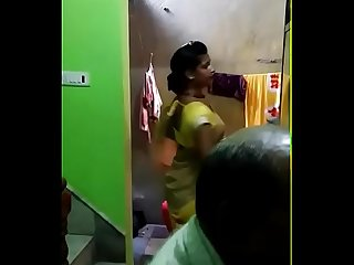 Khoobsurat kamar aur mast ada wala hijra in yellow saree 2