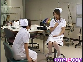Emiri aoi nurse loves using vibrator on body
