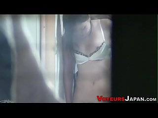 Japanese babe climaxes