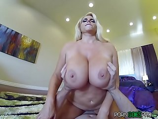 Porngoespro karen fisher big booty is fucked by a big dick