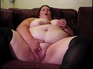 Fat Chick Plays in her Juicy Pussy