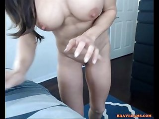 Fit goddess spanks herself enjoying butt plug on free xxx cam