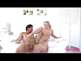 OILED UP SEXY BLONDE IS A SEXUAL DYNAMO