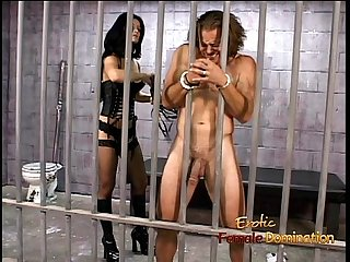Hot raven-haired domina Leah Wilde sits on a hung dude�s face