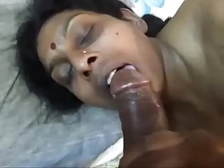 Renu sucking big black penis of her husband (new)