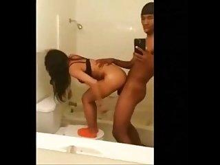 Selfie da foda no banheiro