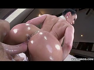 Kim kardashian porn parody with kendra lust 2