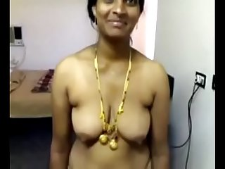 Vid 20071118 pv0001 nellore lpar iap rpar telugu 40 yrs Old married housewife Aunty vinitha showing