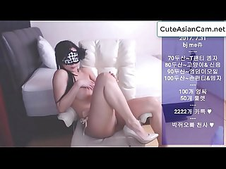 Korean girl shows her body on Cam - http://cuteasiancam.net