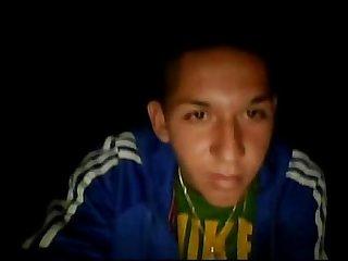 Jose miguel flaitecito con ceja depilada se pajea en webcam