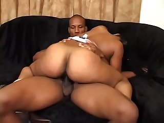 Bubble butt black bitch hyphy sucks cock on her knees then gets pounded hard