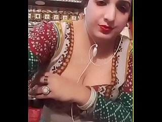 Beautiful Pak Aunty video Chat
