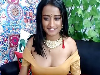 Sexy Hot boobs Desi bhabi oil massage to tits