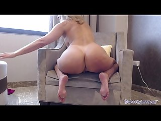 PAWG Milf Camgirl Twerking Ass Shaking To Din Daa Daa