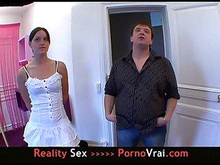 French il veut voir sa femme baiser avec un autre