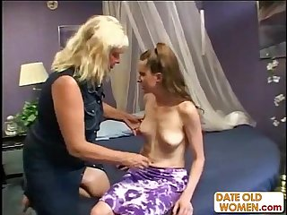 Mad mature granny fucking younger girl