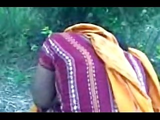 Cute Bangla girl show boobs at park side clear Bangla audio leopard69puma