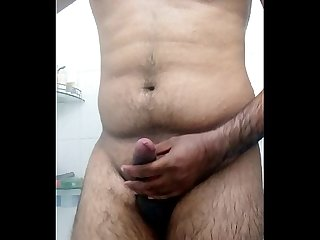 Indian gujju Desi guy bathroom selfie to her gf on skype jay25111