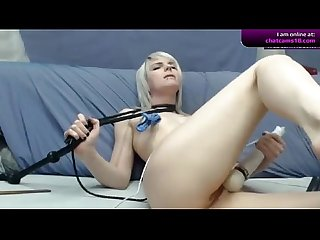 Blonde missyaddict massaging her pussy on cam