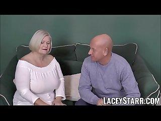 Laceystarr busty gilf negotiates a good pussy deal