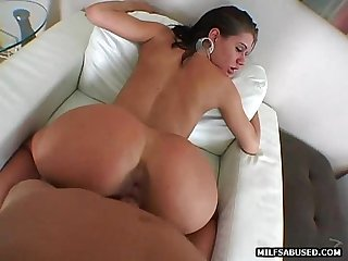 Brunette MILF gives a blowjob before getting fucked doggystyle