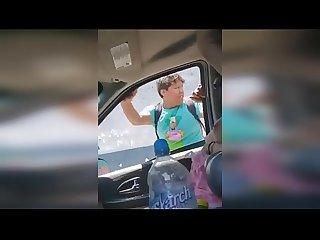 Mexicana se deja manosear por desconocido - Video Completo en Espa�ol