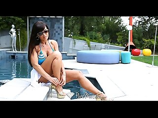 Hd puremature super hot milf lisa ann seduces poolboy