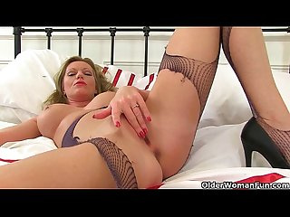 British milfs holly and sofia rip their tights to shreds