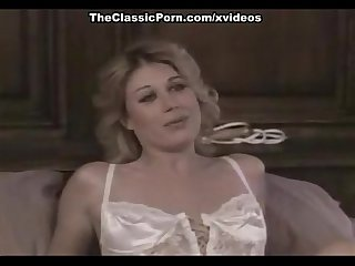 Cody nicole paul thomas in classic xxx blonde seduces a handsome guy