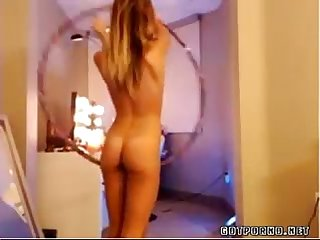 Tan hottie hula hoop naked