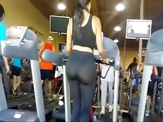 Latina fat ass in yoga pants walking
