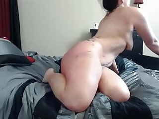 Body Writing Cam Slut Fucks Herself