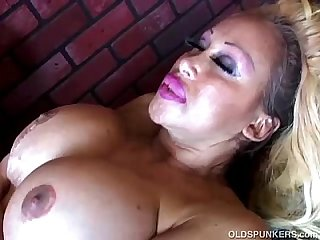Mature pornstar Pamela peaks is a super hot fuck