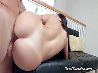 Voluptuous Juicy-Fat-Ass Exposed