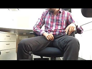 Indian guy mastrubating flashing big dick in office.MOV