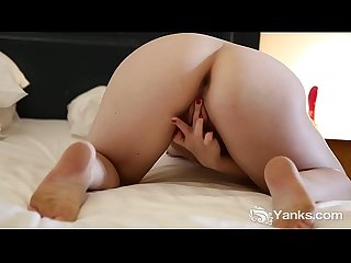 Yanks girl amber leigh humping a dildo