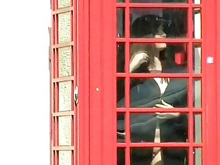 Teen dollys phonebooth flashing
