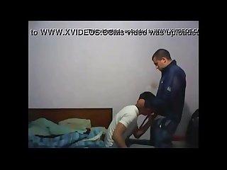 Novinho Gay amador colocou A camera pra filmar ele pagando um boquete www pornoamadores online