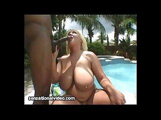 BBW in Bikini Fucks Huge BBC