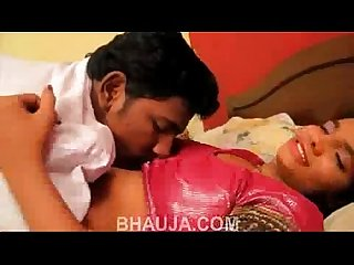 Desi indian sexy Bhabhi ki chudai hindi short film bhauja com